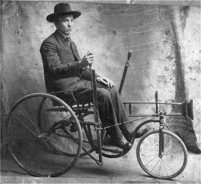 Julian Rutherfords Chair, 1890 bis 1900